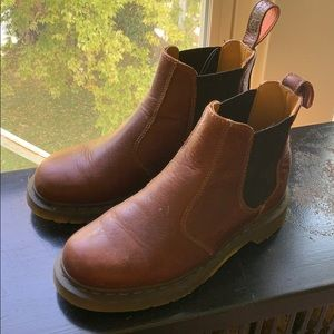 Dr. Martens Chelsea boots like new